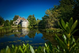 View Scotney Castle Photos >>