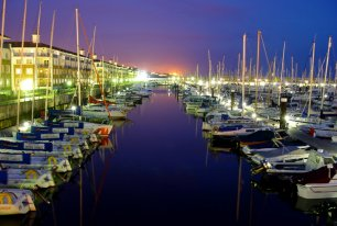 View Brighton Marina Photos >>